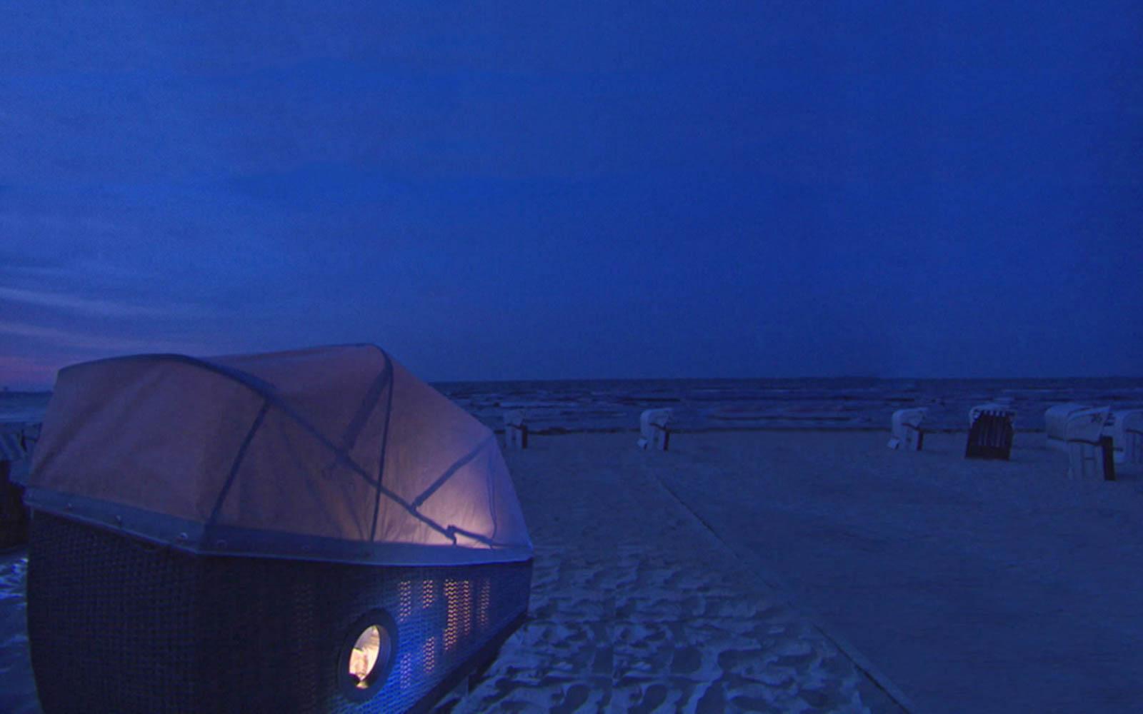 Nachts am Strand schlafen